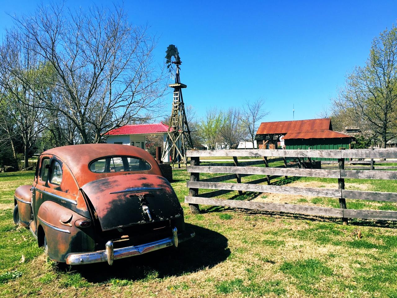 Red Oak II car on Route 66