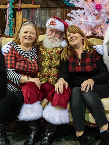 Take a picture with Santa Claus at Branson Market Days