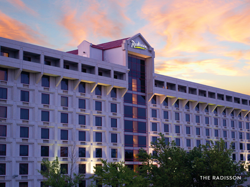 Large hotel in the heart of Branson's Entertainment District.